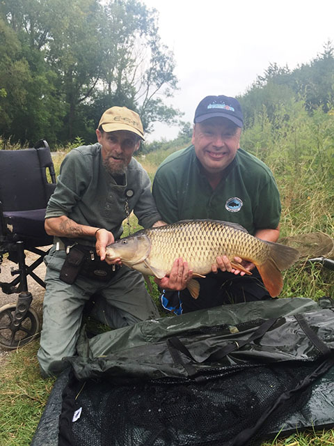 Steven Bunneys 17lb 13oz Common carp caught 18th Aug 16 edit